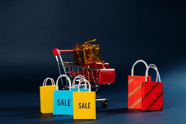 Warenkorb und einkaufstasche, jahresendeverkauf, 11,11 singles tagesverkaufskonzept