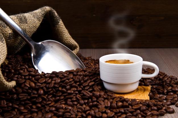 Warme tasse kaffee