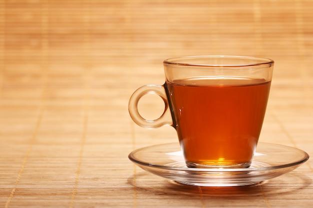 Warmer und frischer tee