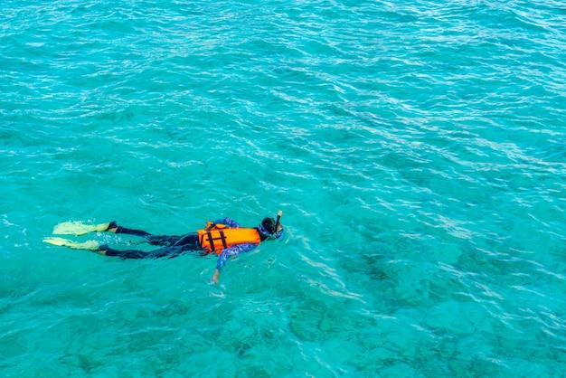 Wasser unterwasser-destinationen karibik weiblich