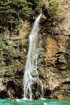 Wasserfall in der kalam swat-landschaftslandschaft