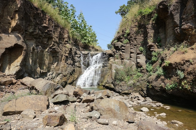 Wasserfall in einem fluss