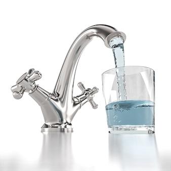 Wasserhahn, aus dem wasser fließt und ein glas füllt