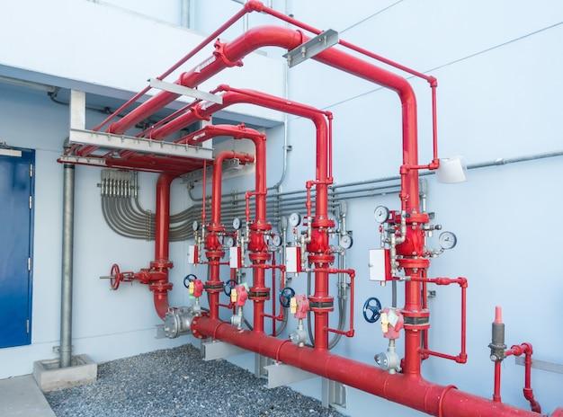 Wassersprinkler- und brandmeldeanlage, wassersprinklersteuerung und rohrleitungen der industrie.