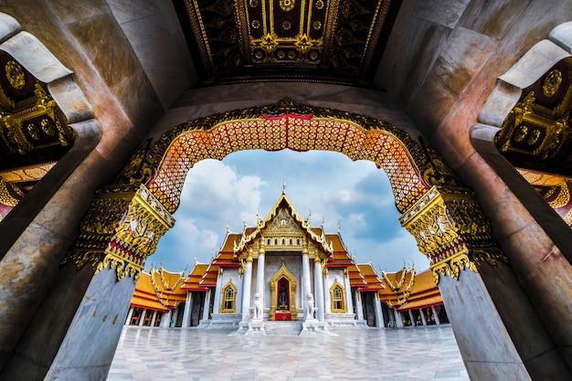 Wat benchamabophit oder wat ben ist ein marmortempel in bangkok