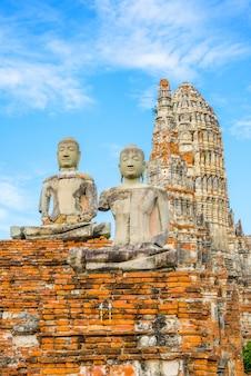 Wat chai watthanaram wurde von könig prasat tong mit dem hauptprang prang gebaut, der den berg darstellt