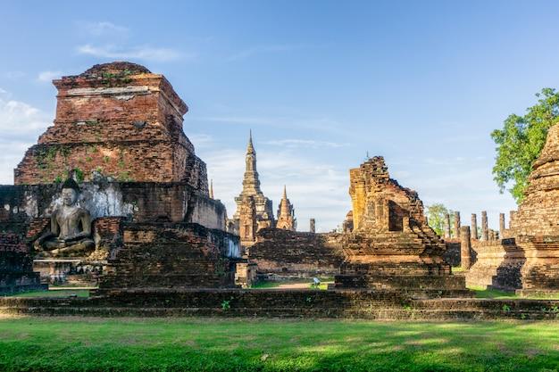 Wat mahathat temple im bezirk historischen parks sukhothai
