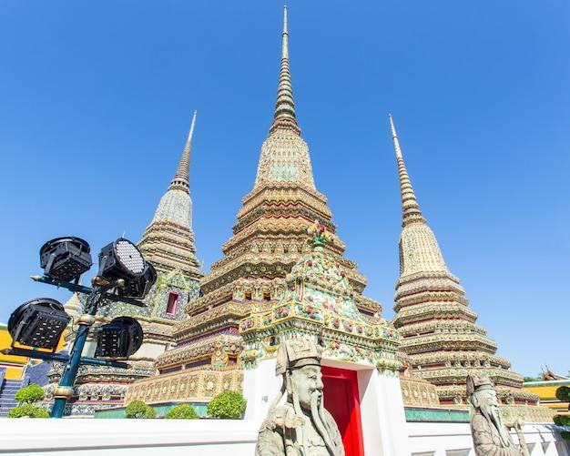 Wat pho ist ein buddhistischer tempel in bangkok