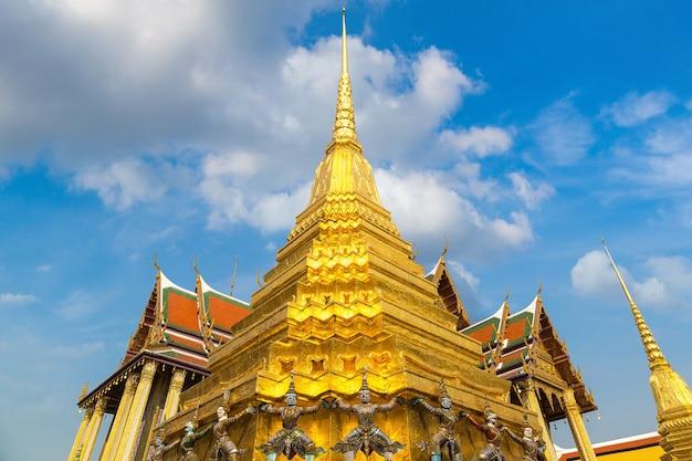 Wat phra kaeo (tempel des smaragd-buddha) in bangkok, thailand