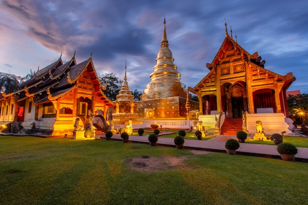 Wat phra singh befindet sich im westlichen teil des alten stadtzentrums von chiang mai, thailand