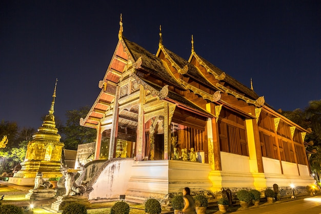 Wat phra singh buddhistentempel in chiang mai in thailand