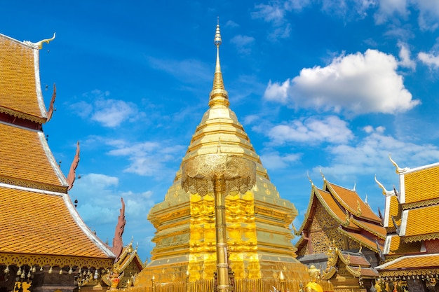 Wat phra that doi suthep tempel in chiang mai, thailand