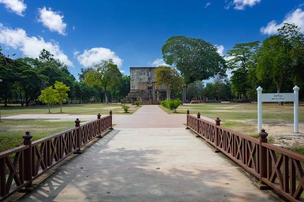 Wat si chum in sukhothai in sukhothai - thailand