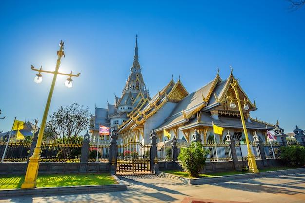 Wat sothonwararam ist ein buddhistischer tempel im historischen zentrum