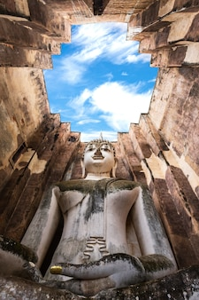 Wat sri chum, sukhothai, thailand