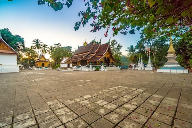 Wat xieng thong (goldener stadt-tempel) in luang prabang, laos. xieng thong tempel.