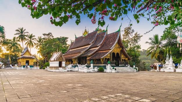 Wat xieng thong (goldener stadttempel) in luang prabang