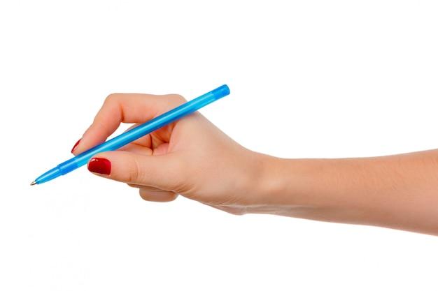 Weibliche hand, die bleistift lokalisiert hält