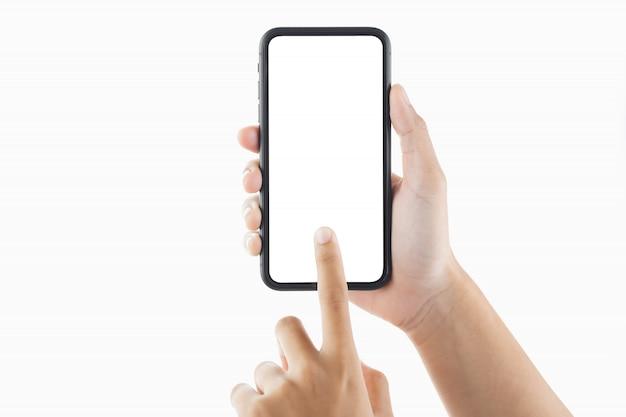 Weibliche hand, die den bildschirm eines smartphones berührt