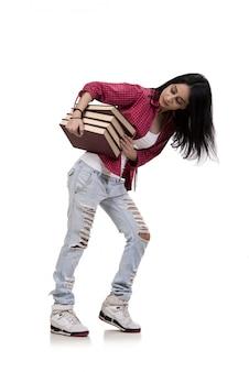 Weiblicher junger kursteilnehmer mit den büchern getrennt auf weiß