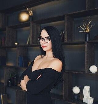 Weibliches brunette modell