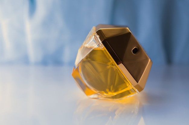 Weibliches parfüm