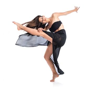 Weibliches tanzen der jungen eignung