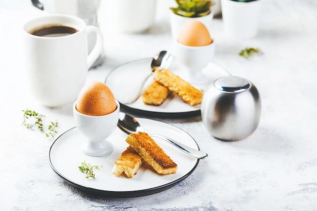 Weich gekochtes ei zum frühstück
