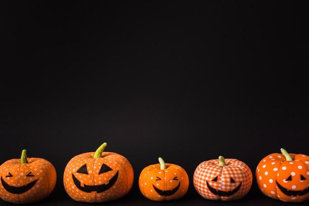 Weiche orange kürbise halloweens