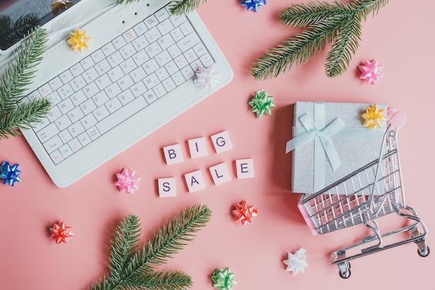 Weihnachten großer verkauf, online-shopping. online-big-sales-konzept