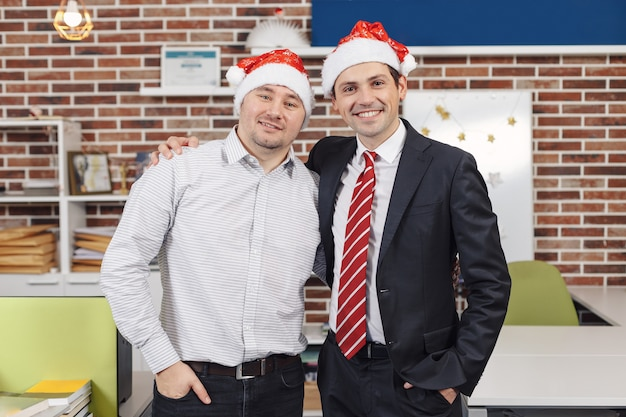 Weihnachten im büro feiern