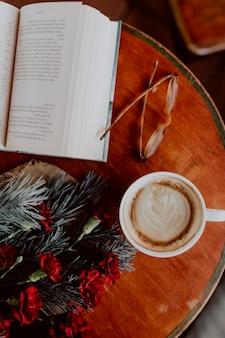 Weihnachten in einem café verbringen