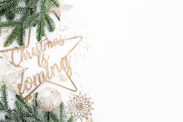 Weihnachten kommt - plakat- oder postkartenentwurf.