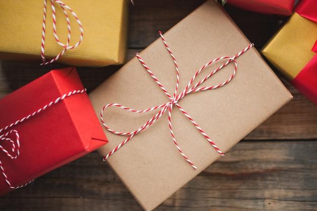 Weihnachten mit geschenkboxen.