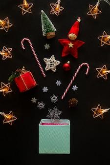 Weihnachten und neujahr dekoriert thema haus.