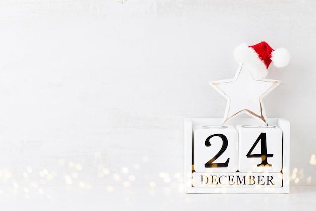 Weihnachten. weihnachtskalender, 24. dezember auf dem grau.