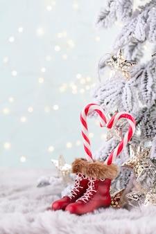 Weihnachten zuckerstange herz, bokeh-hintergrund.