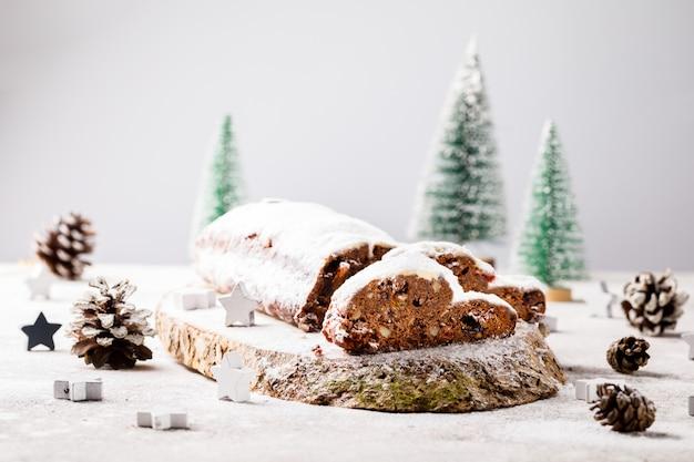 Weihnachts dresdnen stollen schokolade