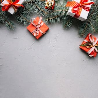 Weihnachts-komposition mit platz auf der unterseite