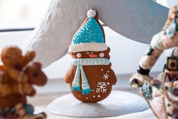 Weihnachts-lebkuchen-schneemann