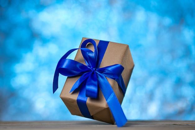 Weihnachts- oder geburtstagsgeschenke.