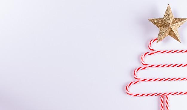 Weihnachtsbaum aus zuckerstange hergestellt
