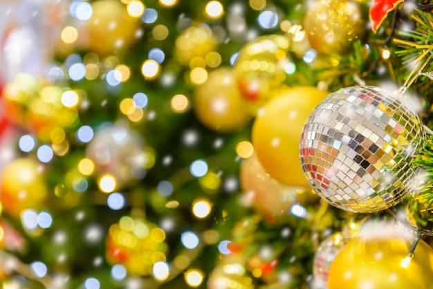 Weihnachtsbaum dekoration hintergrund.
