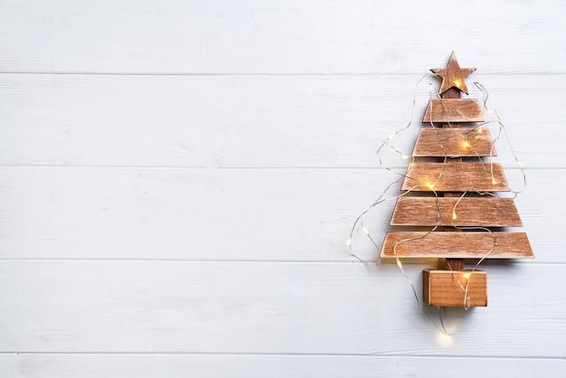 Weihnachtsbaum mit lichtern