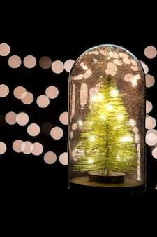 Weihnachtsbeleuchtung globus mit exemplar