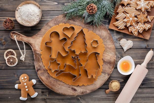 Weihnachtsdekoration cookies, weihnachtsplätzchen zu hause backen.