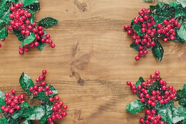 Weihnachtsdekoration mit mistel.