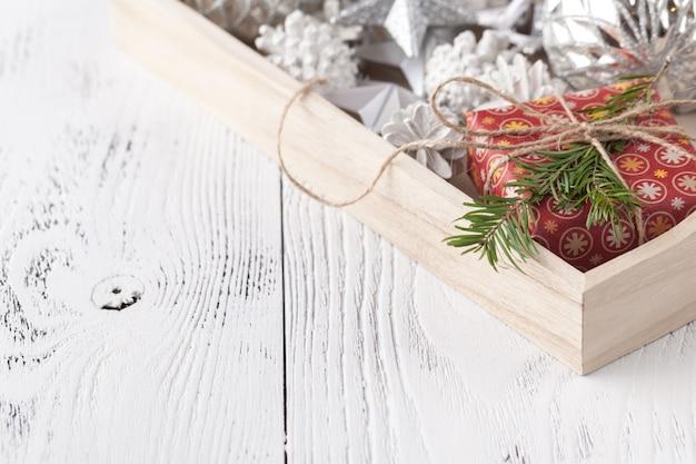 Weihnachtsdekoration, spielzeug und ornamente