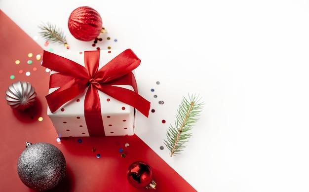 Weihnachtsdekorationen und geschenke