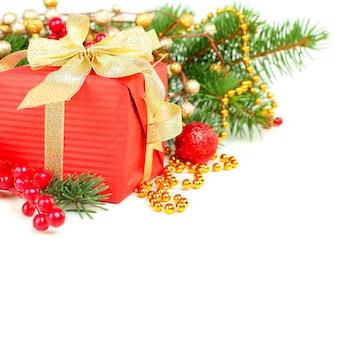 Weihnachtsdekorationsgrenze über weiß, hintergrund